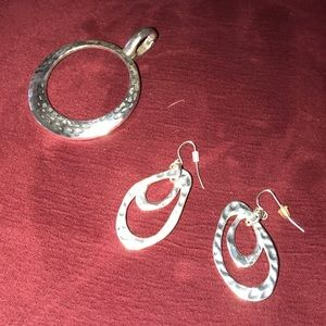 Hammered circle pendant & matching earrings